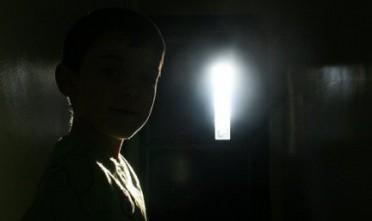 a casa con la luce spenta - Dentro casa giro sempre al buio