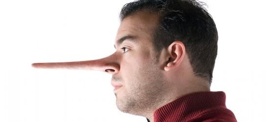 naso di pinocchio - Mento sapendo di mentire