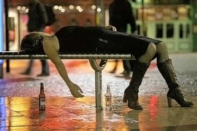 ragazza ubriaca - ubriaca in macchina...