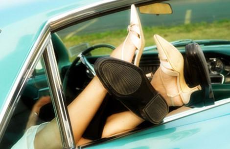 scappatella in macchina - Scappatella